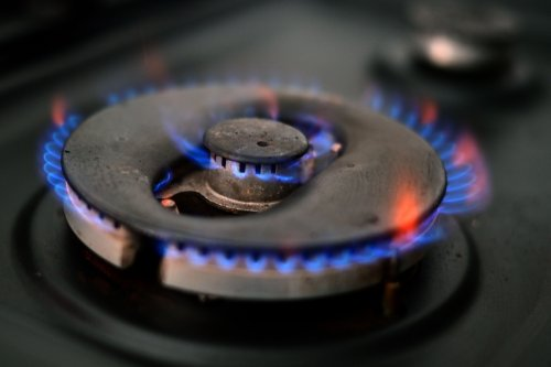 Energy firms ramp up fixed deal prices with bills now £800 MORE than price cap
