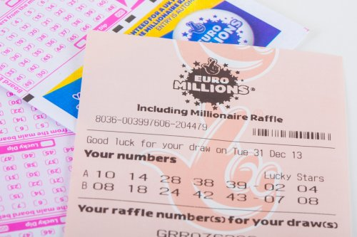 Live Lotto results as winning numbers revealed as people vye for £5.1m prize