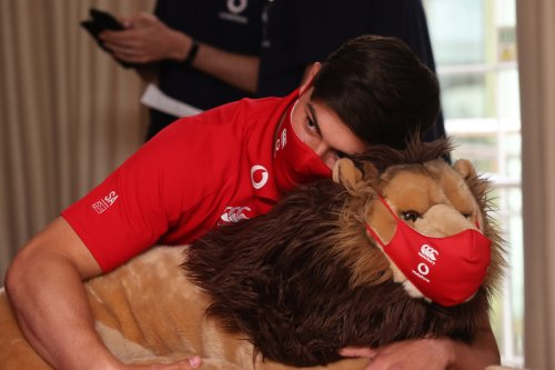 Cub South Africa tourist Louis Rees-Zammit presented with treasured mascot BIL