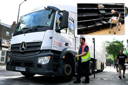 Lorry drivers offered £70k-a-year as recruiters offer mega pay deals