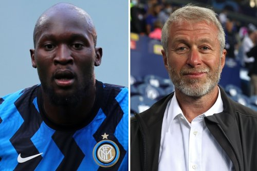 Abramovich 'personally driving Chelsea's Lukaku bid' but City 'offering higher wages'