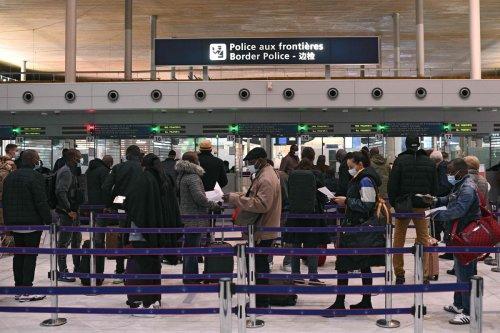 Heathrow passengers face 10 HOUR queues amid Border Force Perspex screens row