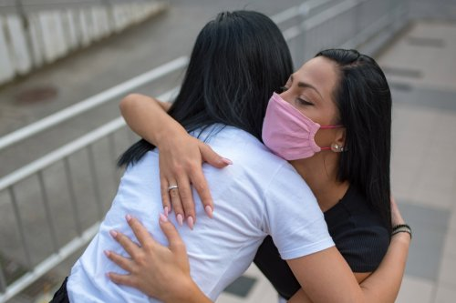 From weight loss to stress… how hugging again can boost your health