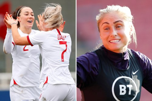 Houghton hails sports psychologist boost for Lionesses' bid to reach World Cup