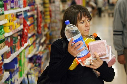 Skint woman who only has a tenner for a week's food begs for help