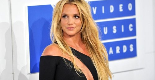 """Britney Spears' Doctor Claims He """"Doesn't Know"""" Why She's Still Under Conservatorship"""
