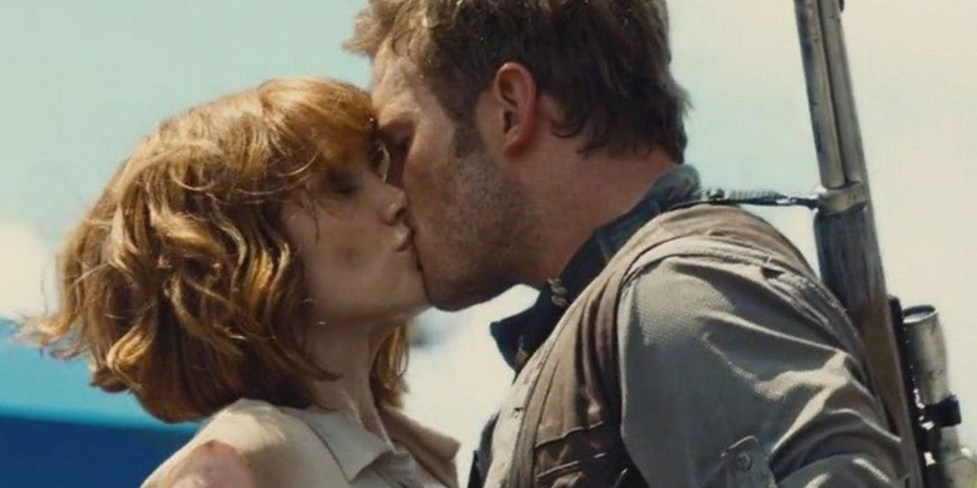 10 On-Screen Kisses That Weren't Supposed To Happen