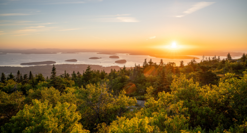 A Guide To Hiking Maine's Stunning Acadia National Park