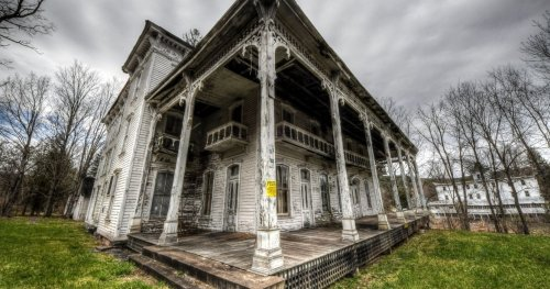 The Catskills Was Once A Bustling Resort Region, But Now It's Almost Completely Abandoned