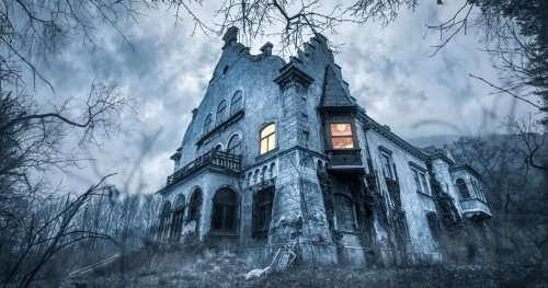 The Scariest Haunted Houses Of 2021 Across America Have Us Cowering Already