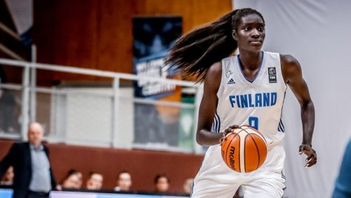 'The sky's the limit': The promising WNBA future of Awak Kuier