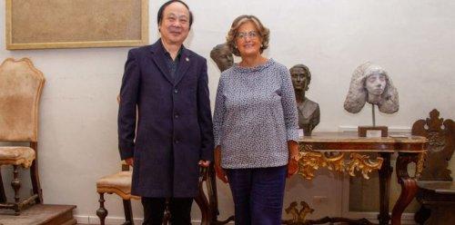 Un pittore cinese nominato accademico d'onore a Firenze