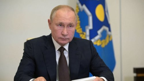 Putin reveals the Kremlin is awash in COVID-19 cases