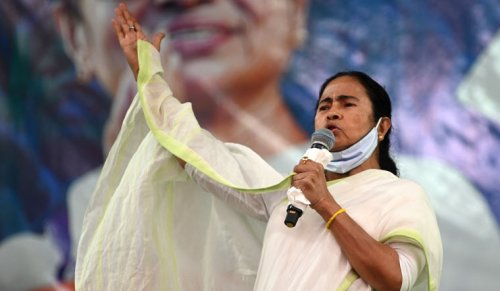 EC bans Mamata Banerjee from campaigning in Bengal for 24 hours