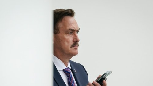Mike Lindell Complains MyPillow Still Has 2 Million Masks 'No One Wants'