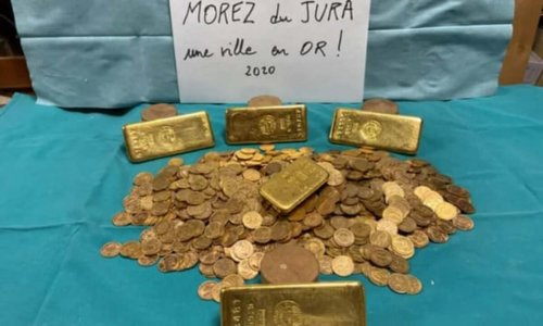 A stash of gold bars and coins emerges in an old house in France, surprises officials