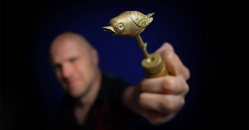Watch the Birdie: A Restored Brass Gadget Dating Back 140 Years Reveals a Historic Photography Trick