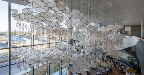 Thousands of Discs Are Suspended in Immense Cloud-Like Formations in Jacob Hashimoto's Installations