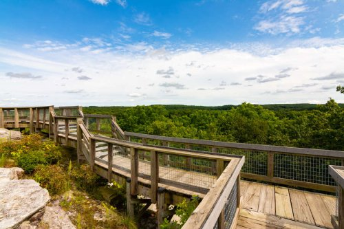 15 Underrated Hikes Near Chicago That We'll Be Taking This Summer