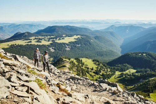 5 Ways to Be a More Earth-Conscious Traveler