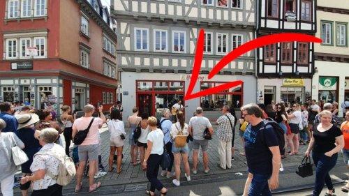 Erfurt: Unglaublich, wer hier ein kleine Spontan-Konzert gibt