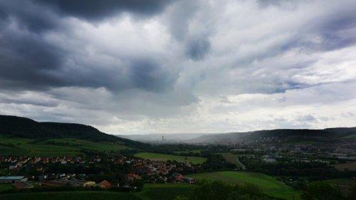 Wetter in Thüringen: DWD warnt – Gewitter im Anmarsch!
