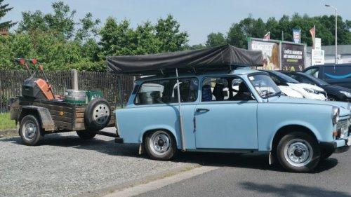 Weimar: Trabbi-Schwertransport! Dieses Gespann geht der Polizei dann doch zu weit