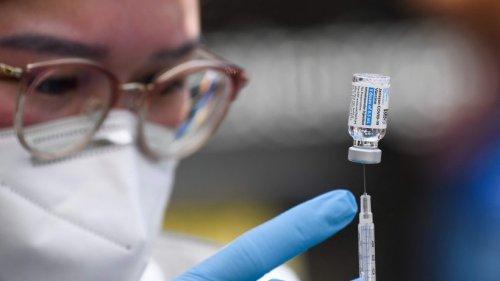 Dritte Corona-Impfung: Diese Nebenwirkungen sind beim Booster möglich