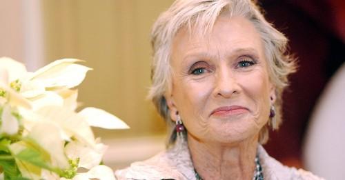 Cloris Leachman, Indomitable Oscar and Emmy-Winning Actress, Dies at 94