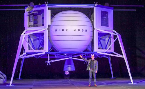 Jeff Bezos Protests After NASA Gives $2.9 Billion Lunar Lander Contract to Elon Musk's SpaceX