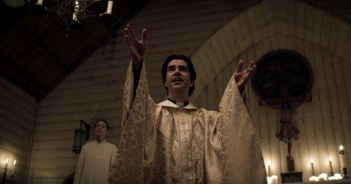 Netflix's Catholic Horror Story Midnight Mass Is One Hell of a Halloween Binge