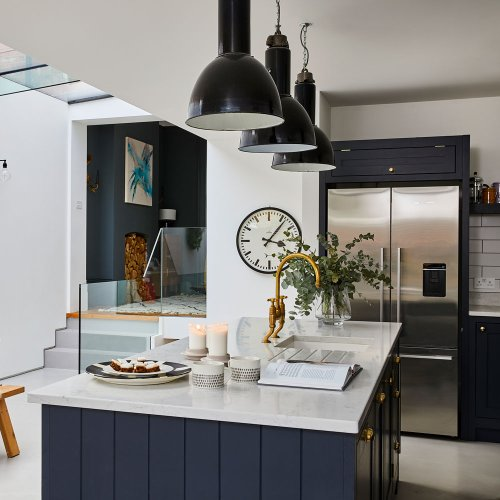 Navy kitchen ideas – to add an element of rich colour and sophistication to any space