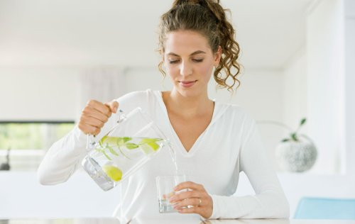 Benefits of drinking water: How it affects your weight, skin and more