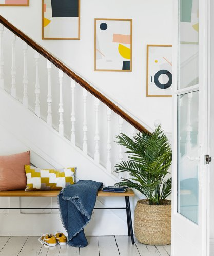 Laurence Llewelyn-Bowen is calling for the return of this retro hallway decorating technique