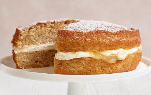 Mary Berry's Apple and Lemon Sandwich Cake
