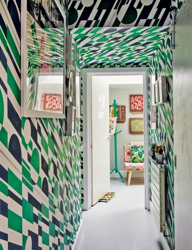 Hallway wallpaper ideas – wall coverings and murals that will add interest to your space