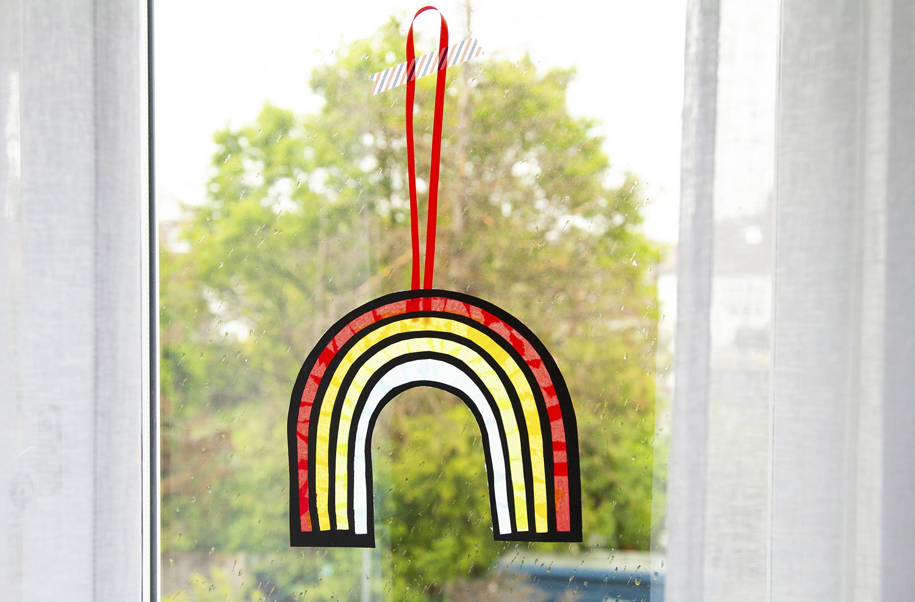 How to make an easy sun catcher