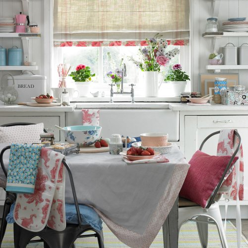 Shabby chic dining room ideas – for a timeless, faded elegance