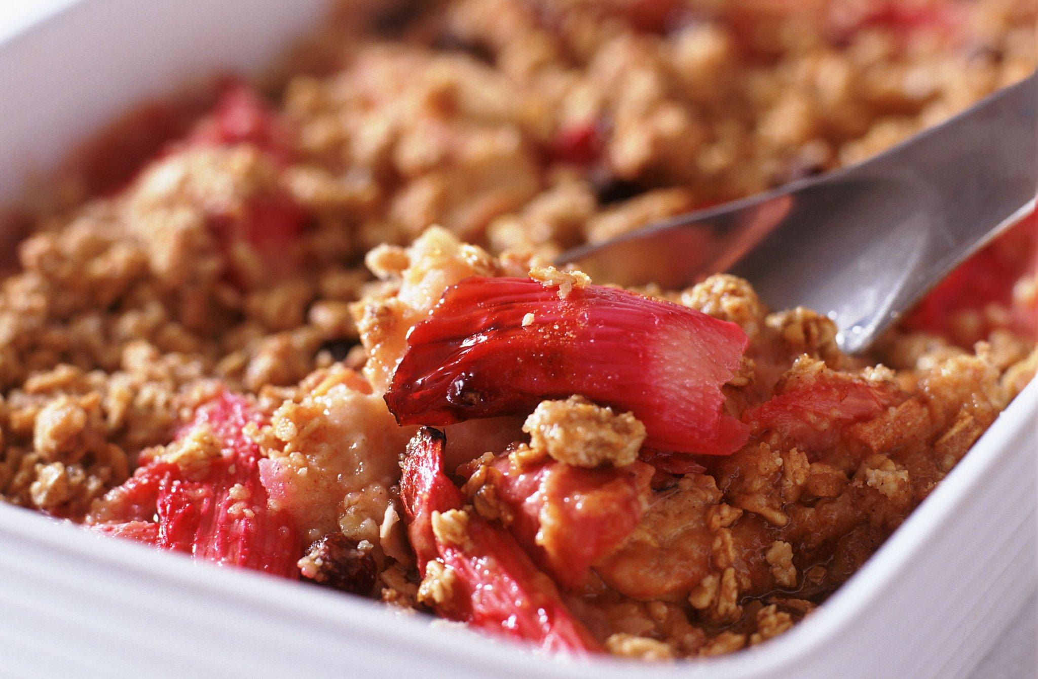 Rhubarb and apple crumble