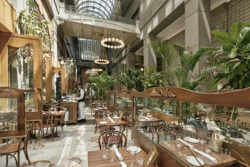 """This """"secret"""" avenue is home to one of NYC's most gorgeous outdoor dining set-ups"""
