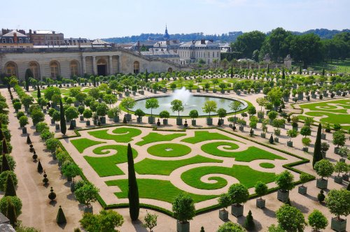 Versailles just opened its first-ever (very opulent) hotel