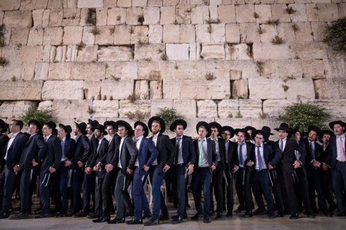 Citing danger, top Haredi rabbis urge avoiding visits to Western Wall on Shavuot