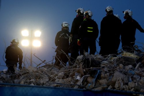 Firefighters officially end search for bodies at collapsed Florida condo