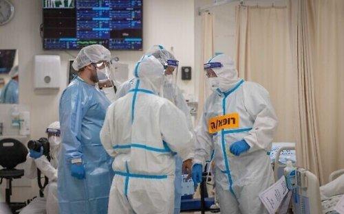 La propagation des infections force les experts COVID à réviser la stratégie