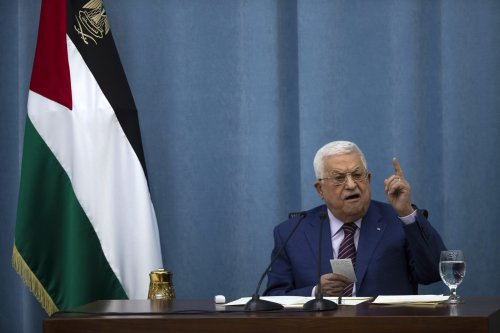 Poll: Nearly 80% of Palestinians want Mahmoud Abbas to resign