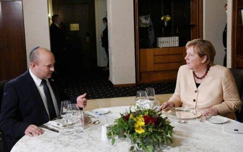 Bennett à Merkel: Israël aurait voulu l'accord controversé sur les sous-marins