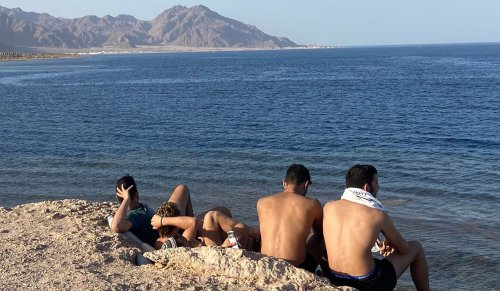 Parting the red tape, Israeli tourists wander back into the Sinai