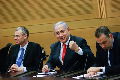 After very brief handover to Bennett, Netanyahu vows to 'rescue Israel' from him