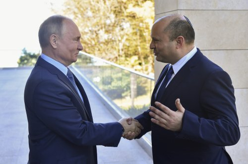 Bennett extends Russia trip over Shabbat after 'warm' Putin talks run long