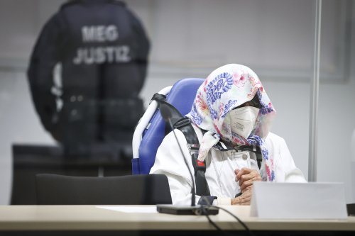 Prosecution at trial of Nazi camp secretary: Gas chamber cries 'clearly audible'